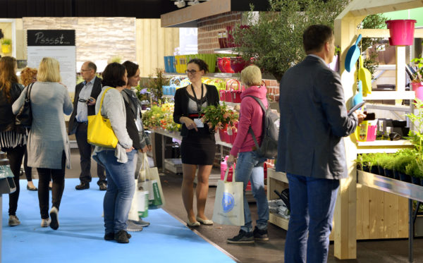 Die neue Fachmesse stellt Konzepte für den Point-of-sale in den Fokus und blickt über den Tellerrand hinaus. Dabei versteht sich die Veranstaltung als Impulsgeber, Match-Maker und Plattform zum aktiven Mitgestalten des Innovationsprozesses der grünen Branche – sowohl für den produzierenden Gartenbau als auch für den Handel. --- 15-06-2016/Kalkar/Germany Foto:Rainer Schimm/©MESSE ESSEN GmbH --- Verwendung / Nutzungseinschränkung: Redaktionelle Foto-Veröffentlichung über MESSE ESSEN/CONGRESS CENTER ESSEN und deren Veranstaltungen gestattet. NO MODEL RELEASE - Keine Haftung für Verletzung von Rechten abgebildeter Personen oder Objekten, die Einholung der o.g. Rechte obliegt dem Nutzer. Das Foto ist nach Nutzung zu löschen! --- Use / utilisation restriction: Editorial photographic publications about MESSE ESSEN / CONGRESS CENTER ESSEN and their events are permitted. NO MODEL RELEASE - No liability for any infringements of the rights of portrayed people or objects. The user is obliged to seek the above rights. The photograph must be deleted when it has been utilised!